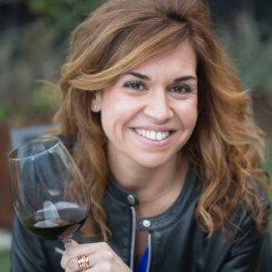 Victoria Villareal - Experta en Vinos